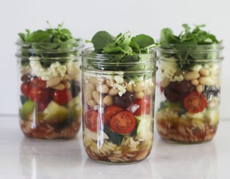 Your guide to building the perfect mason jar salad